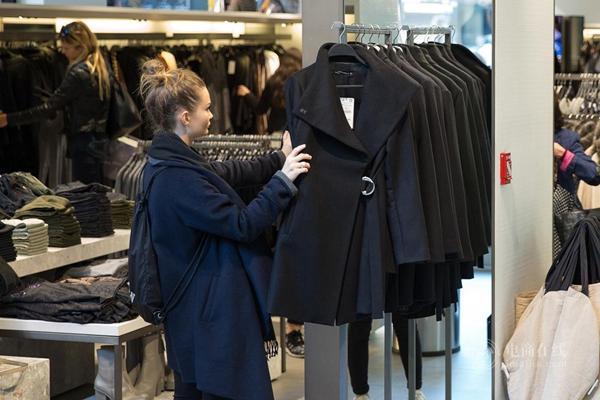 """25天从设计到门店!从一款外套看Zara如何演绎""""快时尚"""""""